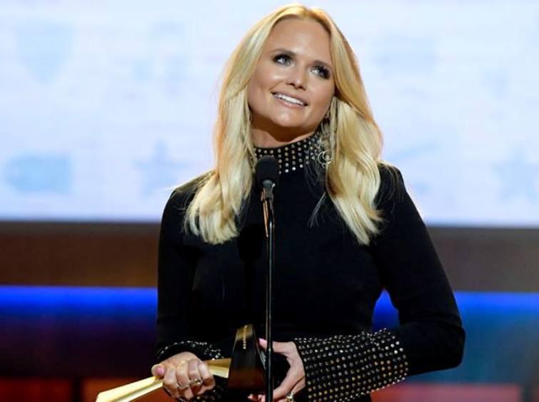 miranda-lambert-news-country-singer-receives-first-merle-haggard-spirit-award-salutes-her-hero-at-acm-honors.jpg